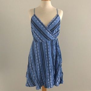 Lulus blue patterned wrap dress size M